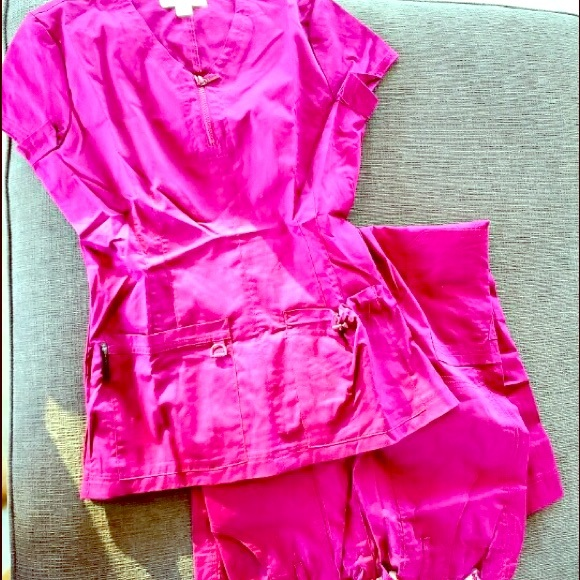 koi Other - Set of fuchsia scrubs size S, long
